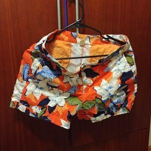 Gap floral cotton cargo shorts